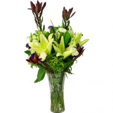 Classical Yellow Lillies arrangement in Vase